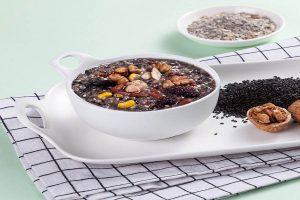 黑芝麻红枣炖燕窝的做法
